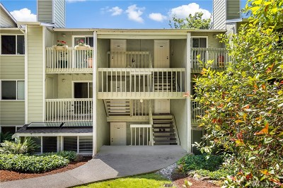 Redmond Condo/Townhouse For Sale: 9494 Redmond Woodinville Rd NE #B104