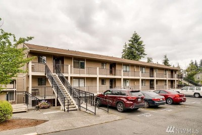 Lynnwood Condo/Townhouse For Sale: 20131 61st Place W #D-101