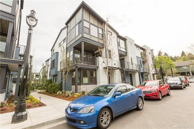 Bothell Condo/Townhouse For Sale: 9615 NE 183rd St #42D
