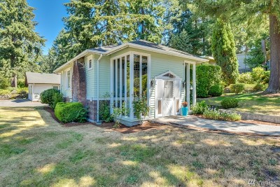 Burien Single Family Home For Sale: 2220 SW 152nd St