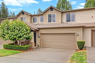 Issaquah Condo/Townhouse For Sale: 4443 248th Lane SE #4443