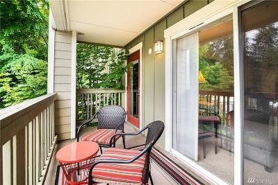 Kenmore Condo/Townhouse For Sale: 7711 NE 175th St #F206