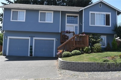 Lakewood Single Family Home For Sale: 9806 109th St Ct SW
