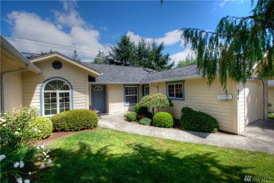 Centralia Single Family Home For Sale: 115 Robert Frost Dr