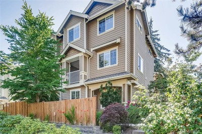 Mountlake Terrace Condo/Townhouse For Sale: 21410 50th Ave W #1