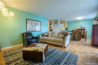 Renton Condo/Townhouse For Sale: 1900 NE 48th St #E102
