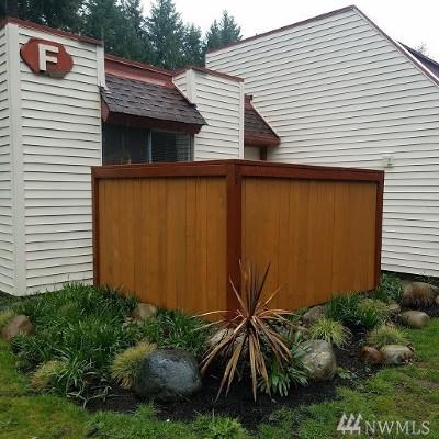 Renton Condo/Townhouse For Sale: 14600 SE 176th St #F-2