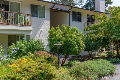 Kirkland Condo/Townhouse For Sale: 14144 74th Place NE #13D