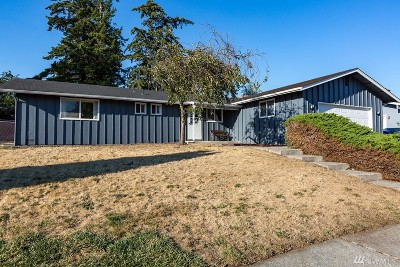 Oak Harbor Single Family Home For Sale: 950 NW Illahee