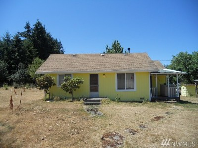 Winlock Single Family Home For Sale: 737 Tennessee Rd