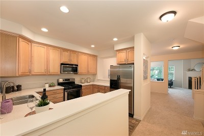 Bothell Condo/Townhouse For Sale: 15 164th St SW #G-3