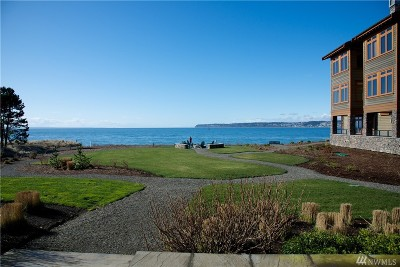 Blaine Condo/Townhouse For Sale: 9525 Semiahmoo Pkwy #A106