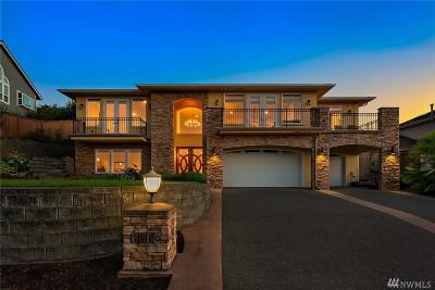 Tacoma Single Family Home For Sale: 1910 Hillside Dr NE
