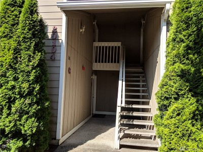 Lynnwood Condo/Townhouse For Sale: 20104 66th Place W #C3