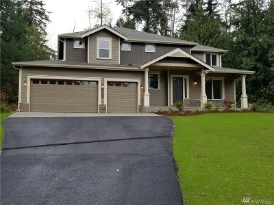 Stanwood Single Family Home For Sale: 17515 32nd Dr NW