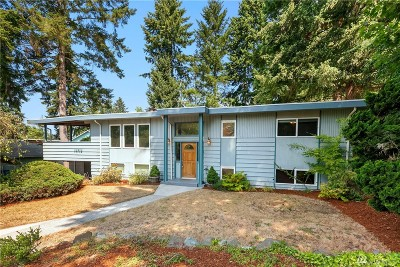 Bothell Single Family Home For Sale: 10710 Sunrise Dr