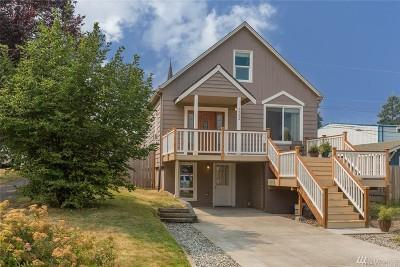 Everett Single Family Home For Sale: 1532 Maple St