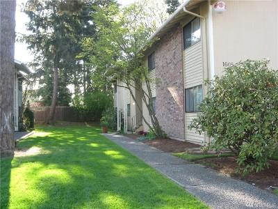 Bellevue Condo/Townhouse For Sale: 1605 149th Pl SE #1