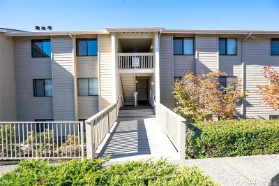 Renton Condo/Townhouse For Sale: 1305 S Puget Dr #B35