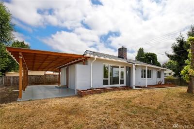 Renton Single Family Home For Sale: 3304 NE 6th St