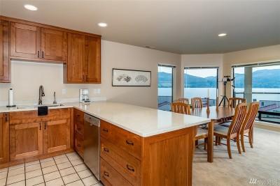 Chelan County, Douglas County Condo/Townhouse For Sale: 100 Lake Chelan Shores Dr #19-8