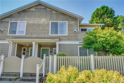 Shoreline Condo/Townhouse For Sale: 1249 NE 152nd St