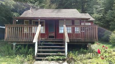Mount Vernon Single Family Home Sold: 33923 South Shore Dr