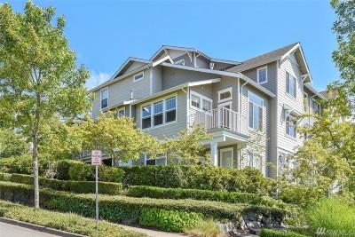 Issaquah Condo/Townhouse For Sale: 1601 NE Katsura St #101