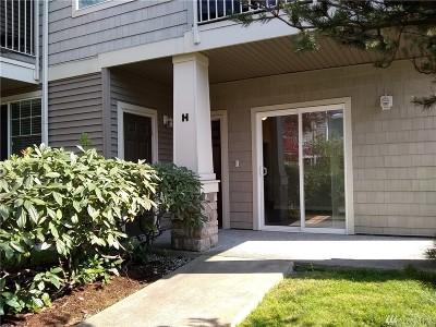 Auburn Condo/Townhouse For Sale: 6127 Hazel Lp SE #H-9