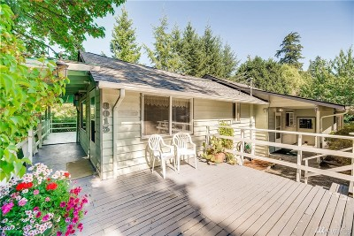 Kenmore Single Family Home For Sale: 8015 NE 169th St