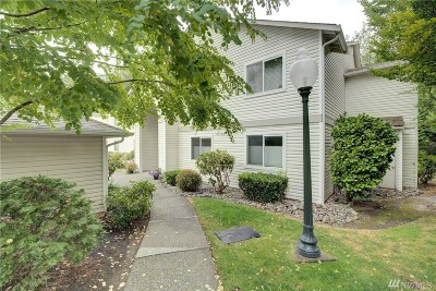 Bothell Condo/Townhouse For Sale: 2201 192nd St SE #S204