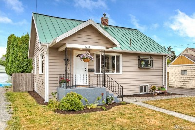 Enumclaw Single Family Home For Sale: 1233 Pioneer St