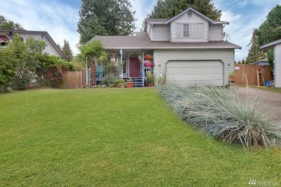 Bonney Lake Single Family Home For Sale: 4840 N Island Dr E
