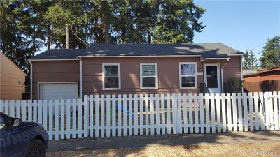 Lakewood Single Family Home For Sale: 11110 Kline St SW