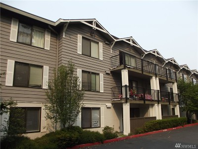 Edmonds Condo/Townhouse For Sale: 8025 234th St SW #101