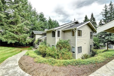 Redmond Condo/Townhouse For Sale: 9009 Avondale Rd NE #O230