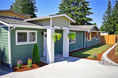 Lynnwood Single Family Home For Sale: 20406 Damson Rd