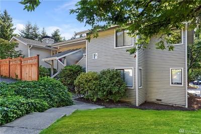 Redmond Condo/Townhouse For Sale: 9009 Avondale Rd NE #P231