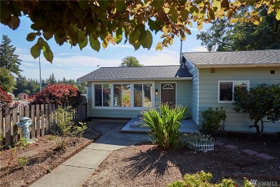 Port Orchard Single Family Home For Sale: 1648 Wolves Rd