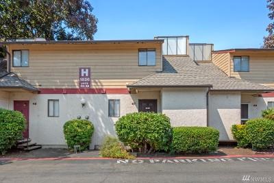 Kent Condo/Townhouse For Sale: 1826 Maple Lane #H47