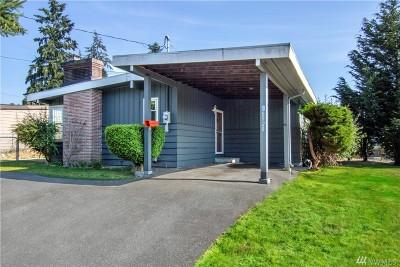 Edmonds Single Family Home For Sale: 8920 220th St SW
