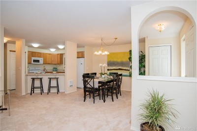 Bothell Condo/Townhouse For Sale: 2201 192nd St SE #W101