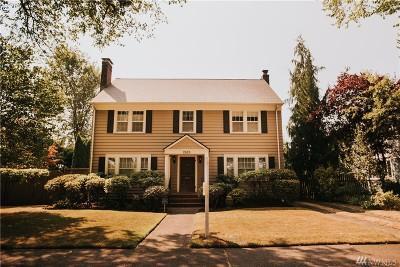 Single Family Home For Sale: 2825 Nichols Blvd