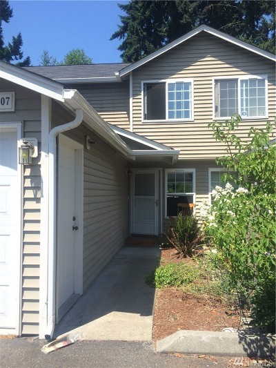Puyallup Condo/Townhouse For Sale: 5607 99th St Ct E