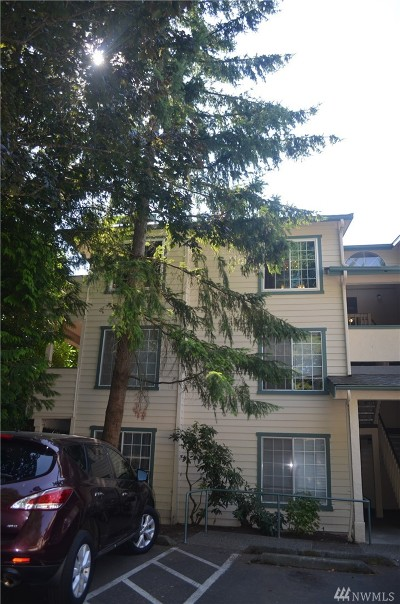 Burien Condo/Townhouse For Sale: 17624 1st Ave S #A304