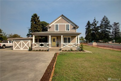 La Conner Single Family Home For Sale: 215 Maple Ave