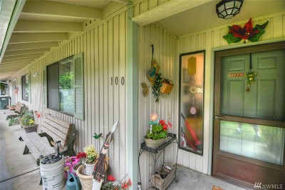 Lacey Condo/Townhouse For Sale: 3300 Carpenter Rd SE #100
