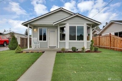 Buckley Single Family Home For Sale: 370 S Perkins St