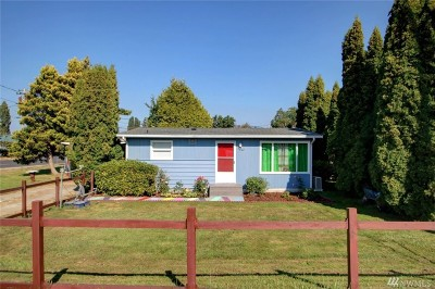 Skagit County Single Family Home For Sale: 102 Curtis St