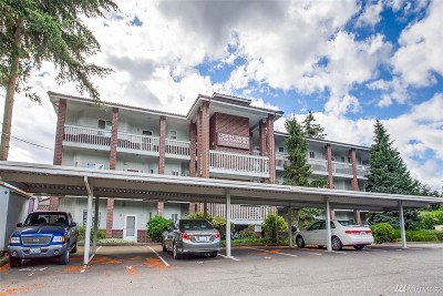 Tacoma Condo/Townhouse For Sale: 1140 Browns Point Bvd Blvd NE #7